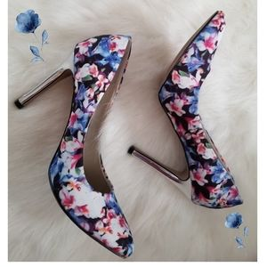 Shoes - Beautiful Floral heels